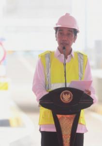 Presiden Joko Widodo pada Kamis, 1 April 2021, meresmikan jalan tol Serpong-Cinere ruas Serpong-Pamulang dan jalan tol Cengkareng-Batu Ceper-Kunciran.