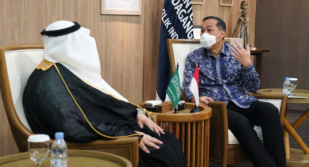Menteri Perdagangan RI, Muhammad Lutfi menerima kunjungan Duta Besar Arab Saudi Jakarta, Esam A. Abid Althagafi di Kantor Kementerian Perdagangan, Jakarta, Rabu (7 April 2021). FOTO Biro humas kemendag