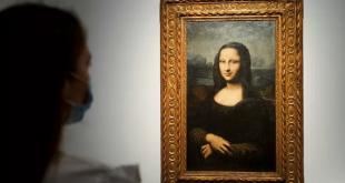 """Hekking """"Mona Lisa"""", reproduksi lukisan terkenal dari Leonardo Da Vinci' yang dilukis di kanvas oleh artis tak dikenal dari abad ke-17 dijual secara daring oleh rumah lelang Christie's di Paris, Prancis (11/6/2021)."""
