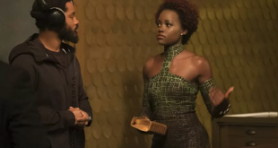 "Sutradara Ryan Coogler bersama Lupita Nyong O dalam film ""Black Panther"" (2018)."