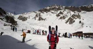 Lereng Ski di Gunung Elbrus, Rusia. (REUTERS/Kazbek Basayev)